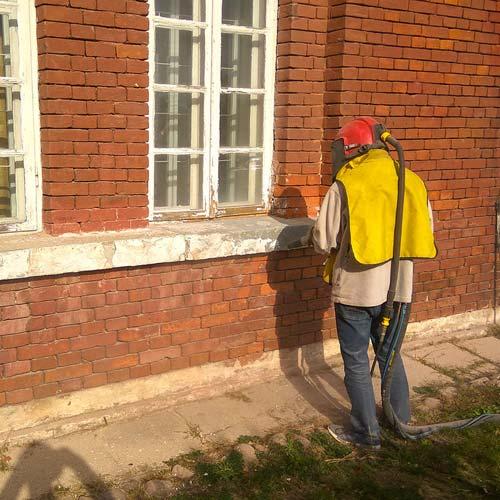 Hydropiaskowanie-piaskowanie-cegły-budynek