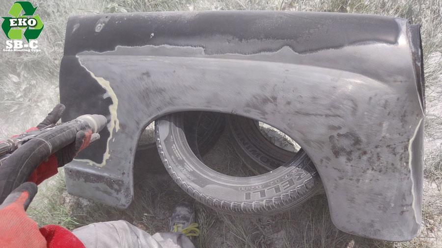 sodowanie-samochodu-błotnik-mercedes-w-120